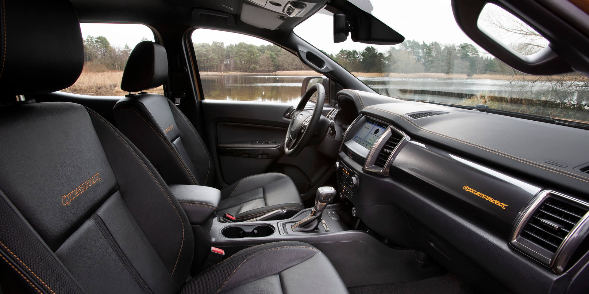 2019Ford_Ranger-Wildtrak-Interior_7.jpg