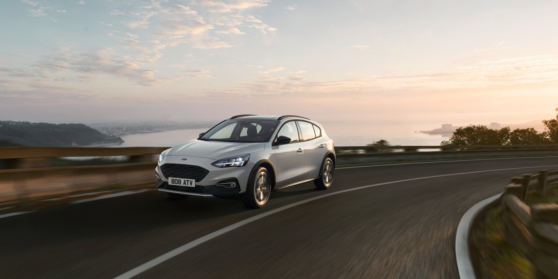 FORD_2018_FOCUS_ACTIVE__16.jpg