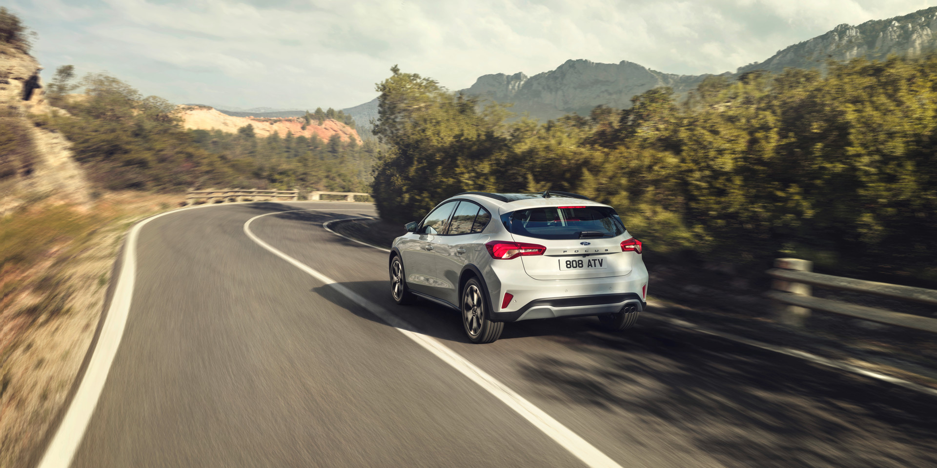 FORD_2018_FOCUS_ACTIVE__20.jpg