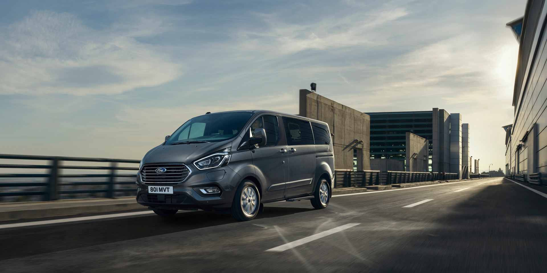 2019_FORD_TOURNEO_CUSTOM_PHEV__04.jpg