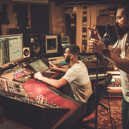 3 MINDSETS TO RAPIDLY  IMPROVE AS A MUSIC PRODUCER