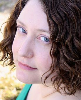 Hannah Leshaw headshot