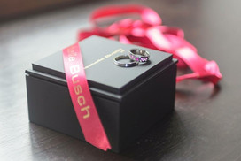 White gold, diamonds and pink sapphires wedding rings