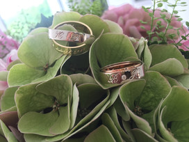 Yellow gold, balnc and rose gold wedding rings.