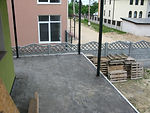 Перильное ограждение крыльца и балкона с кованными элементами.