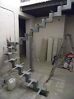 Забежная лестница на 180 грд. на центральномломанном косоуре.