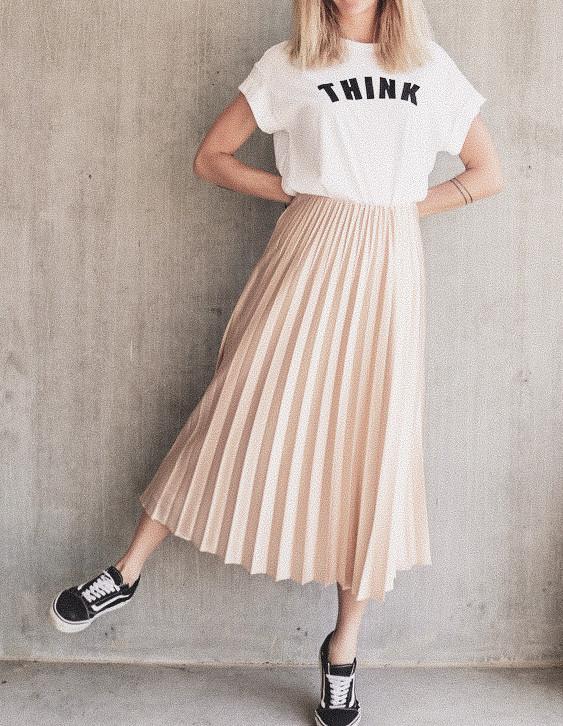 Skirt%20Pleats%20Beige%20&%20THINK%20Shi