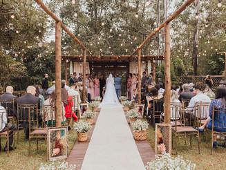 Empresa especializada em casamentos oferece atendimento gratuito para casais no período de quarenten
