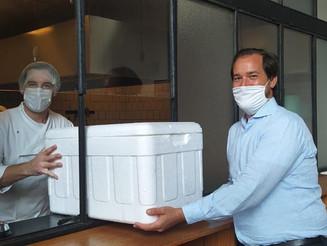 Projeto doa quentinhas para ajudar no combate a fome em meio à pandemia