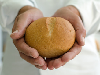 Projeto social distribui 1.300 pães por dia em São Paulo
