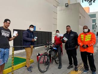 Seguradora distribui máscaras reutilizáveis de tecido para motoboys