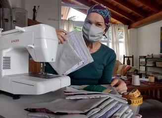 Sesc SP incentiva geração de renda a coletivos de costureiras para confecção de máscaras de tecido