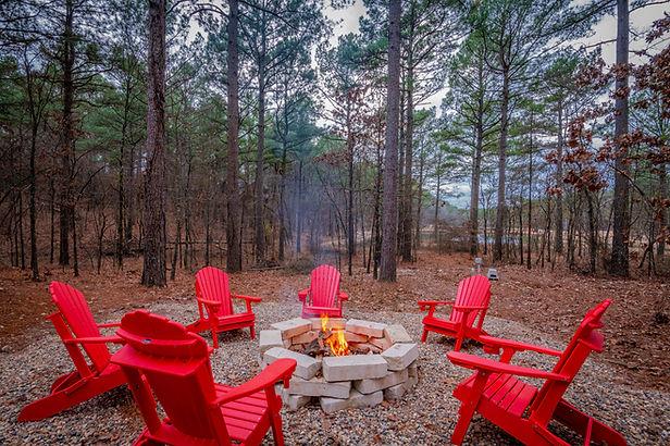 Fire pit cabin in Broken Bow.jpg