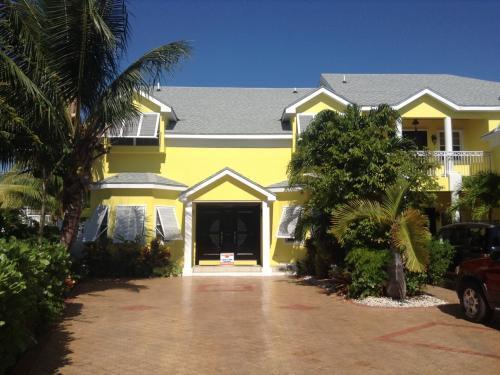 Sandyport Executive House