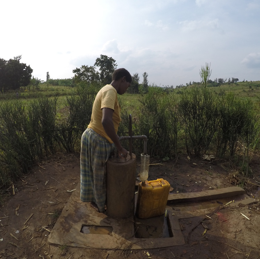A Lady fetched water from the well