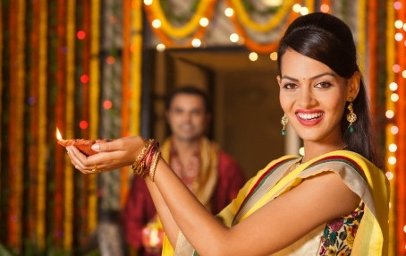 Happy Diwali but stay happily on your diet too: 11 tips to have #dietwalidiwali