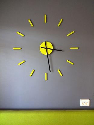 Sun-clock-Dulisov-1.jpg
