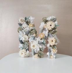 Lettre fleurs sechees personnalisée.jpg