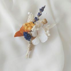 Boutonnière fleurs sechees.jpg