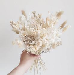 Bouquet fleurs sechees blanc.mp4