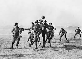 https://thesefootballtimes.co/2018/12/23/if-only-for-a-day-the-christmas-truce-of-1914/