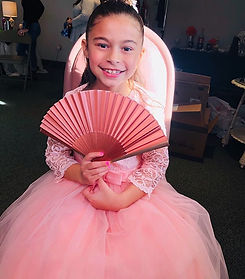 How adorable is this little flower girl?