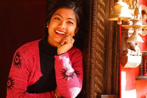 ネパール バクタプルのチャーミングな彼女