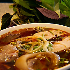 Central Vietnamese Spicy Beef Noodle Soup (Bun Bo Hue)