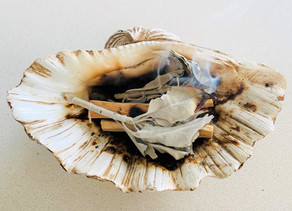 Spring clean your Vibe with Smudging on this Pisces Full Moon