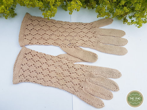Vintage hand knit gloves, ladies gloves, 1940's, ww2, reenactment  (Q)