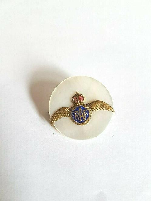 RAF Sweetheart Badge       (C)