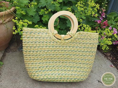 Vintage style straw bag