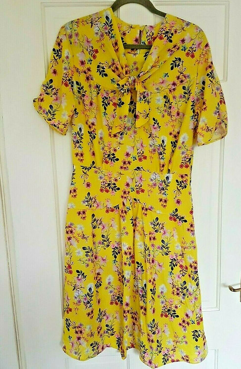 Ladies 1940's yellow floral dress, WW2, Home Front, Land Girls ,NEW size 22 (P)