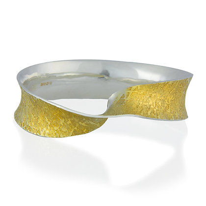 Golden Twist round bangle