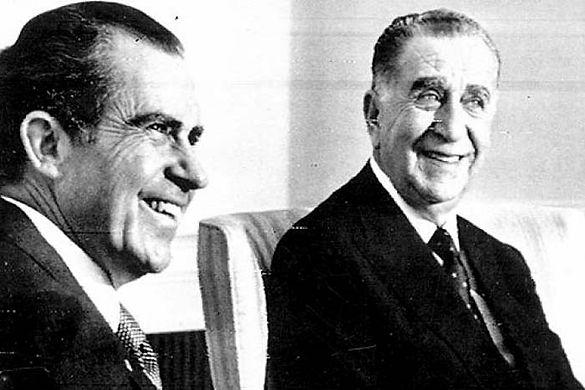 Nixon and Medici.jpg