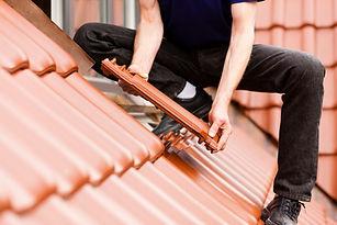 屋根のタイル張り