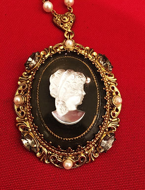 West German Black & White art class Cameo set