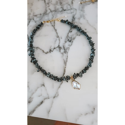 BLACK WITH GOLD PLATED PEARL NECKLACE