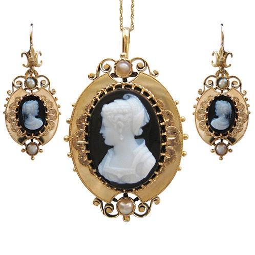 Queen Zenobia Sardonyx Cameo Suite