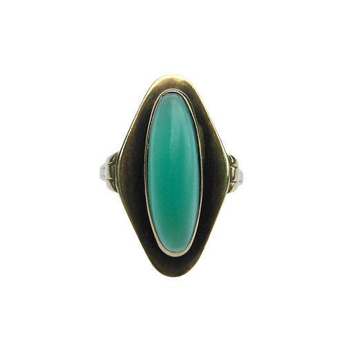 Green Onyx / Chalcedony Jugendstil 8K Gold Ring