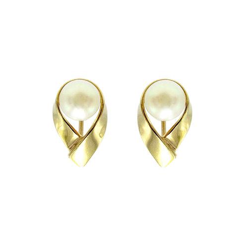 Vintage Akoya Pearl 14K Gold Screw Back Earrings