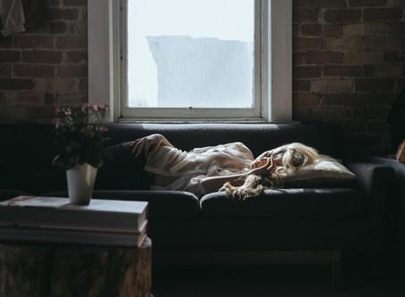 ארבעה טיפים לשינה טובה יותר - הפעם בשביל האמא :)