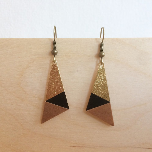BO Madame Capucine triangle noir bois