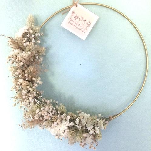 Couronne de fleurs séchées Madame Capucine - beige