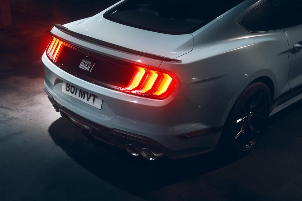 Mustang_grey_detail_3.jpg