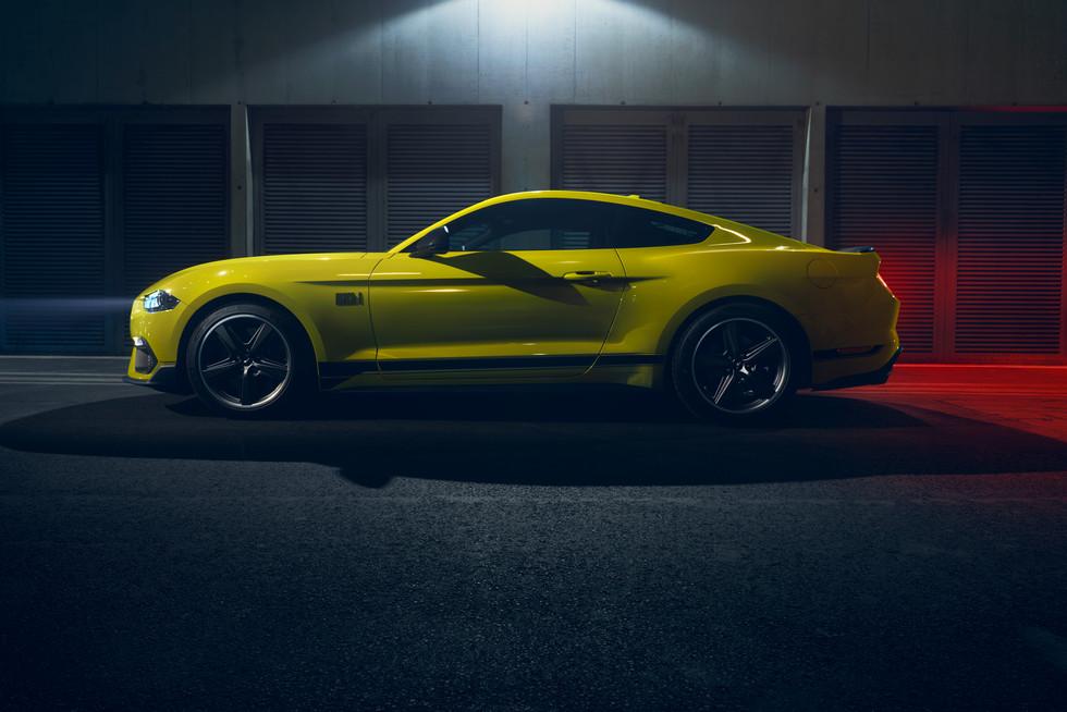 Mustang_yellow_detail_353.jpg