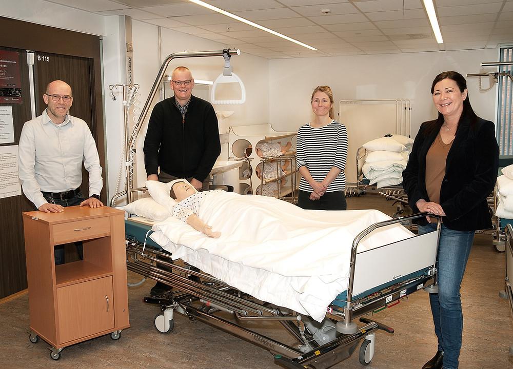 Øyvind Christensen (studieleder), Kjell Jacobsen (Studiestedsleder) og universitetslektorene Trine Kaspersen og Anne Lise G. Loftfjell