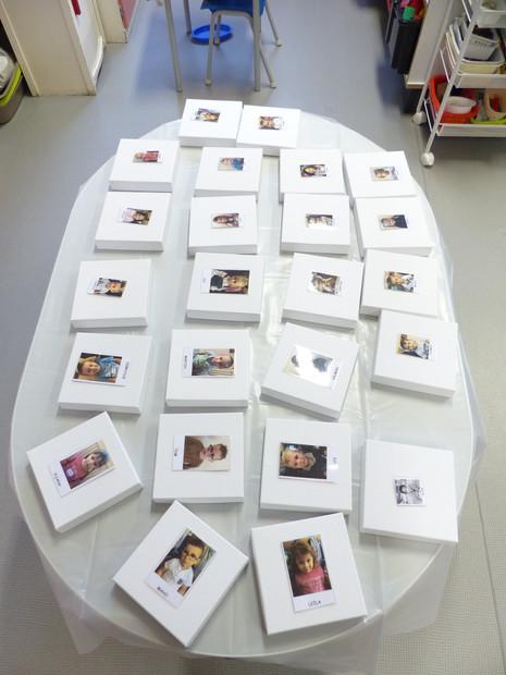 Aidez-moi les Enfants! Un atelier pour le PS et le MS de l'école maternelle dans le cadre de la formation post-diplôme CEPIA à l'ENSA de Bourges. Deux demi-journées divisées en modules de 15 minutes.