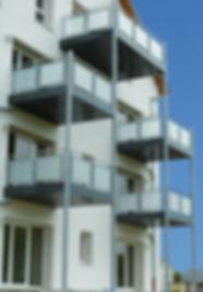 Fixation d'éléments structurels sur façades ITE