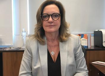 Dra. Regina Beatriz comenta a mudança de filho menor para outra cidade, em artigo e vídeo.